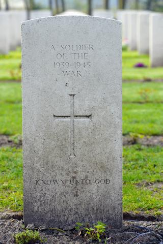 A SOLDIER OF THE 1939-1945 WAR